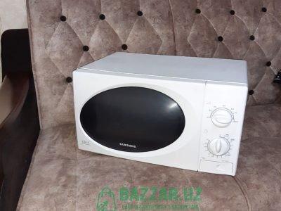 Продаю микроволновую печь Samsung
