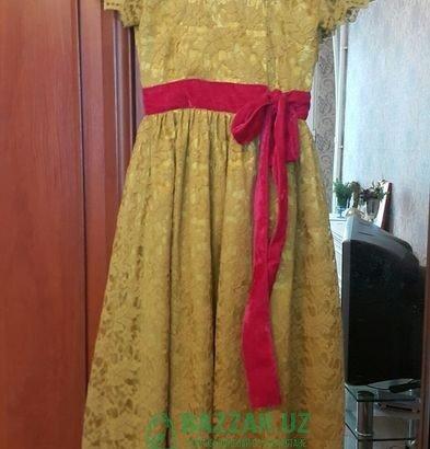 Продам платье на девочку. 10 лет
