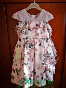 Нежное, красивое платье на 6-7 лет.