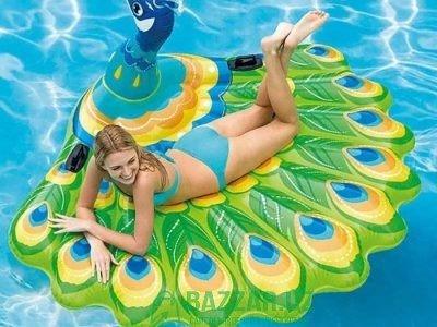 Моделирования Павлин плавающие водная Подушка