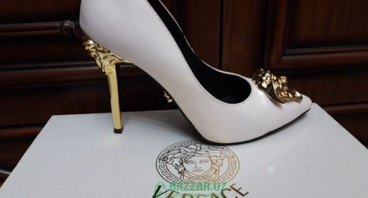 Женские туфли VERSACE