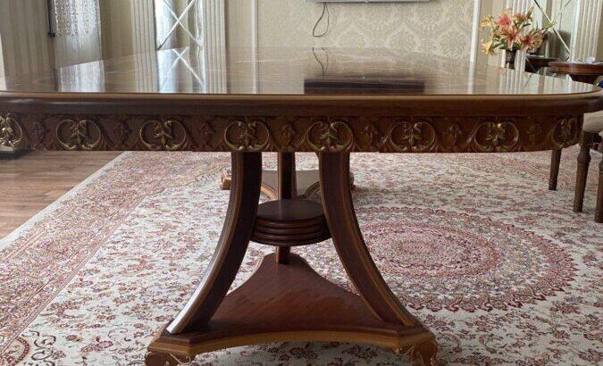 Продаётся красивый стол