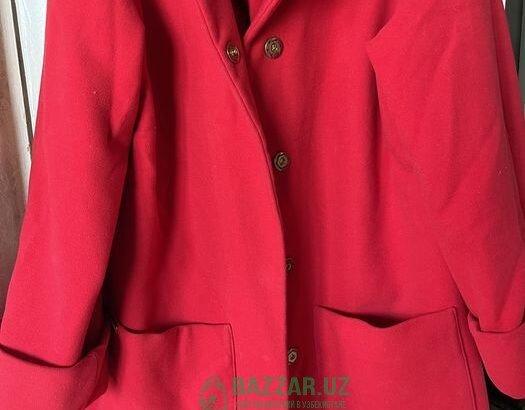 Пальто красный и бежевый