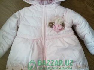 Куртка для девочки продается