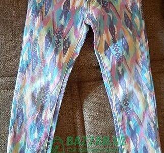 Продам брюки для девочек в хорошем состоянии