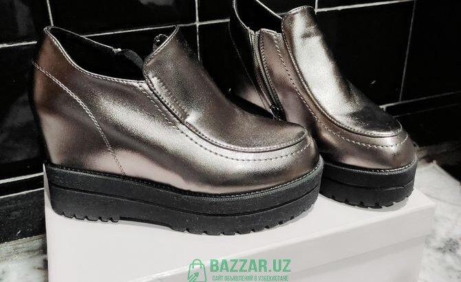 Ботинки новые, размер 35