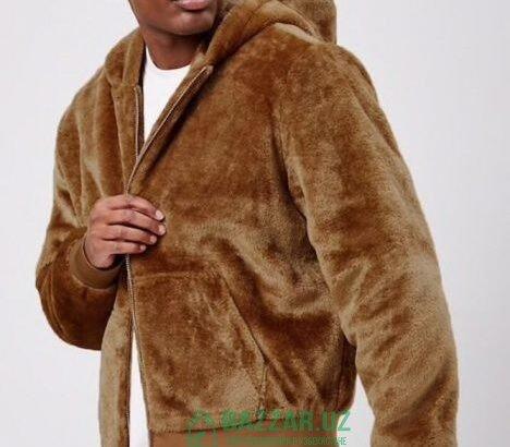Продаётся мужской меховой куртка от Forever21 разм
