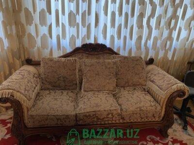 Сервант и мягкая мебель